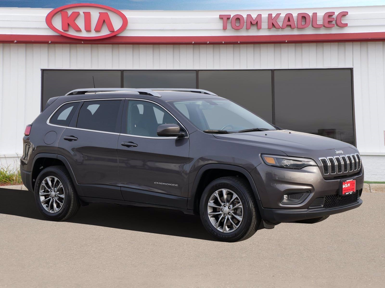 Used 2019 Jeep Cherokee Latitude Plus with VIN 1C4PJMLB2KD337104 for sale in Rochester, Minnesota