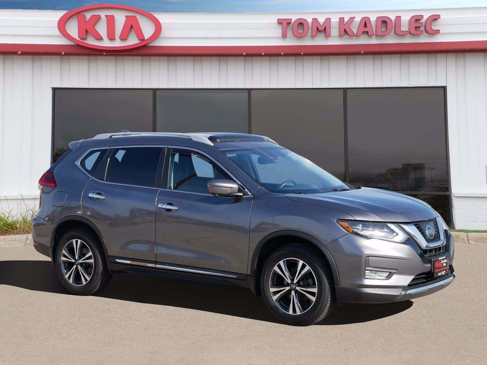 Used 2017 Nissan Rogue SL with VIN 5N1AT2MV6HC799205 for sale in Rochester, Minnesota