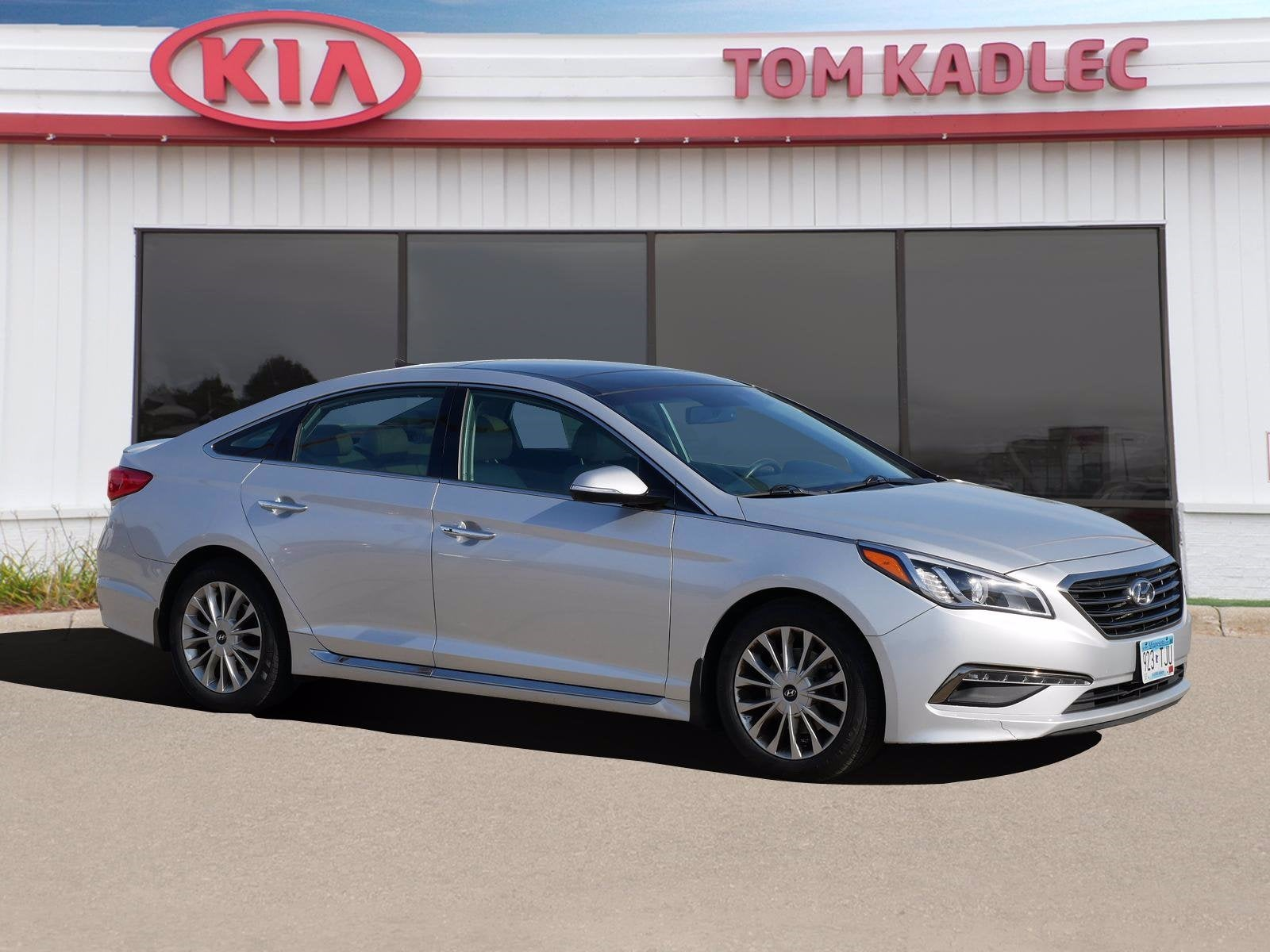 Used 2015 Hyundai Sonata Limited with VIN 5NPE34AF8FH245230 for sale in Rochester, Minnesota